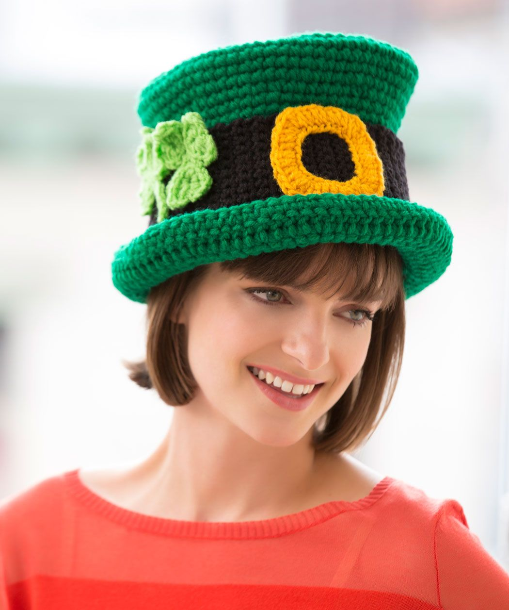 St. Patrick\'s Day Chapeau Free Pattern | Red Heart | Patrick\'s day ...
