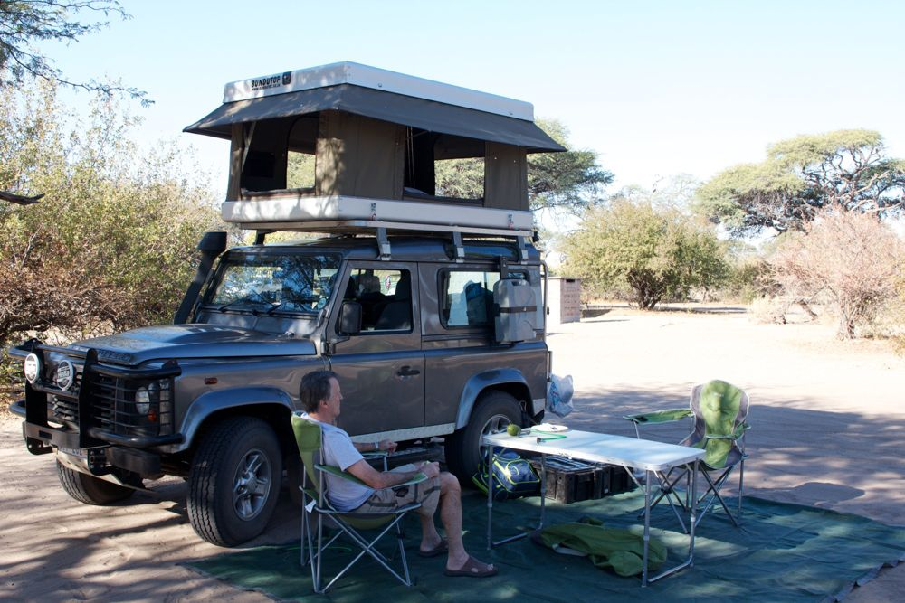 The James Baroud Discovery Space Evolution features added headroom in a the same compact design as the standard Discovery Evolution rooftop tent. & The James Baroud Discovery Space Evolution features added headroom ...