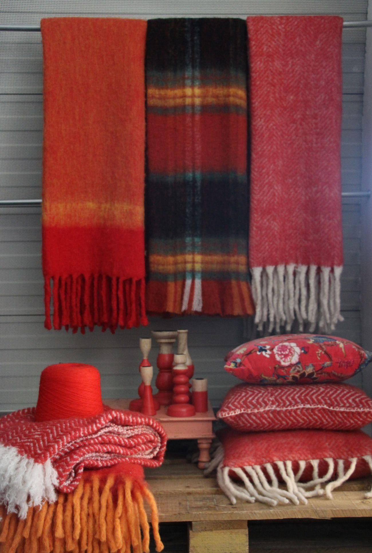 Imbarro colours your winter: warm red!