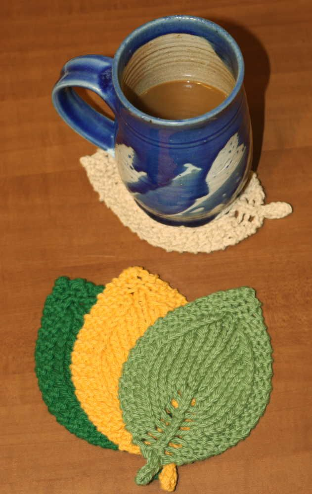 A Knit Leaf In Three Sizes Free Pattern Coasters And Leaves
