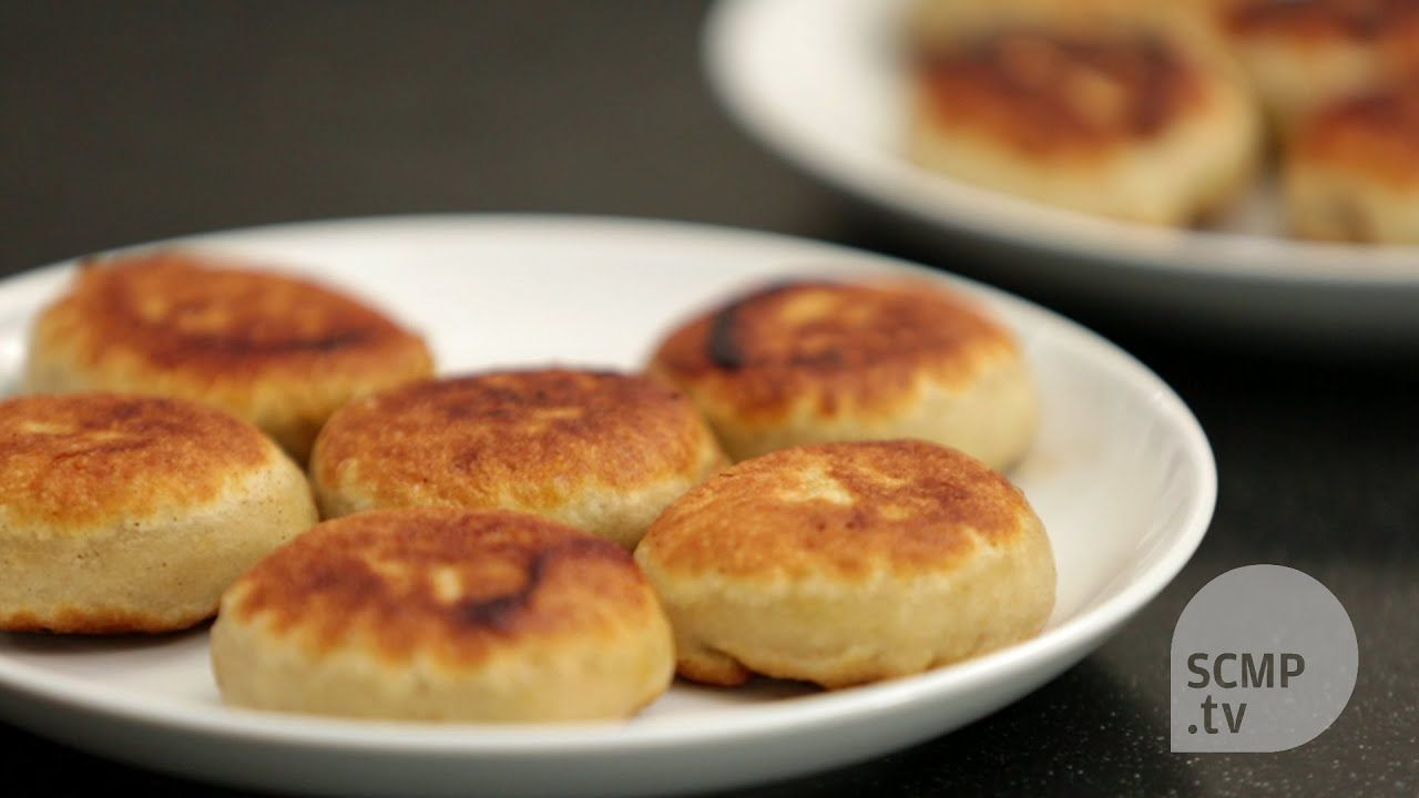 How to make panfried meat buns filled with pork and