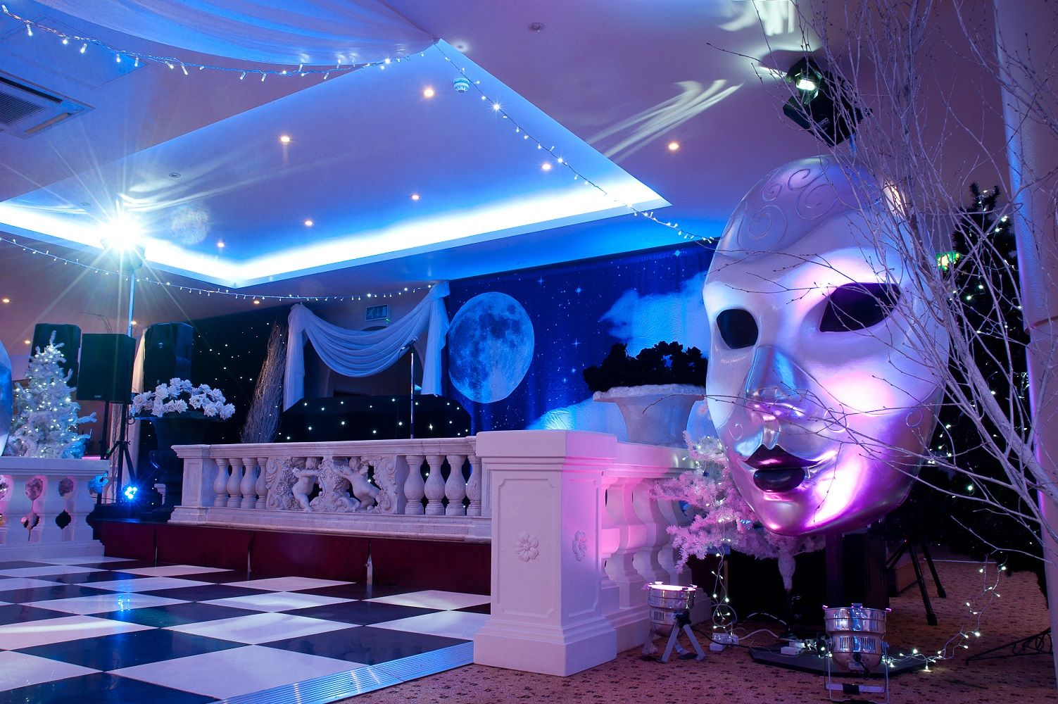 Attractive Masquerade Christmas Party Ideas Part - 7: Black U0026 White Masquerade Christmas Party At The Auction House Venue Luton