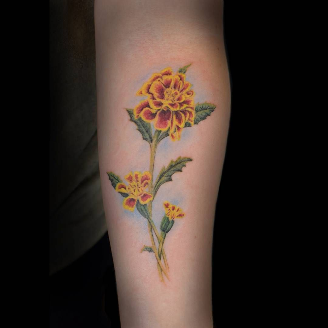 19 Marigold Flower Tattoo Ideas For Anyone With An October Birthday Birth Flower Tattoos Marigold Tattoo October Birth Flowers