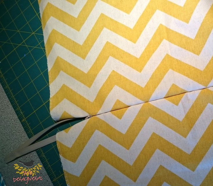 Using invisible zipper to make a removable throw pillow cover & Using invisible zipper to make a removable throw pillow cover ... pillowsntoast.com