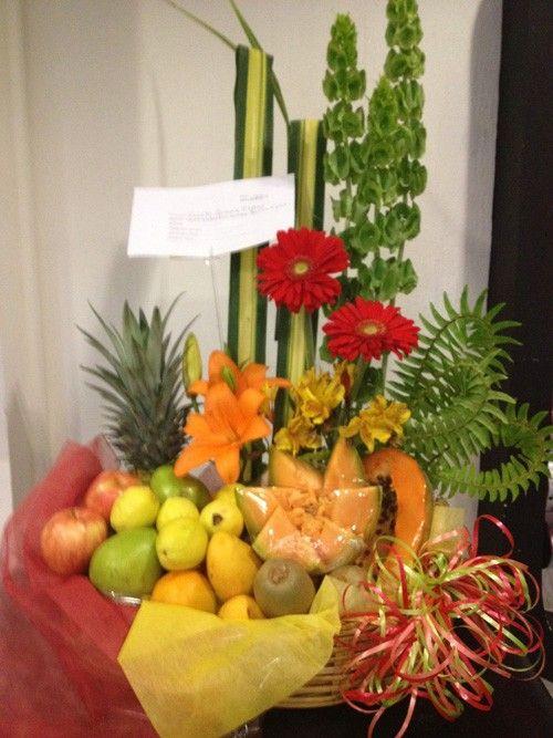 Arreglo Frutal Floral Campestre Gerberas Bells Pandanus