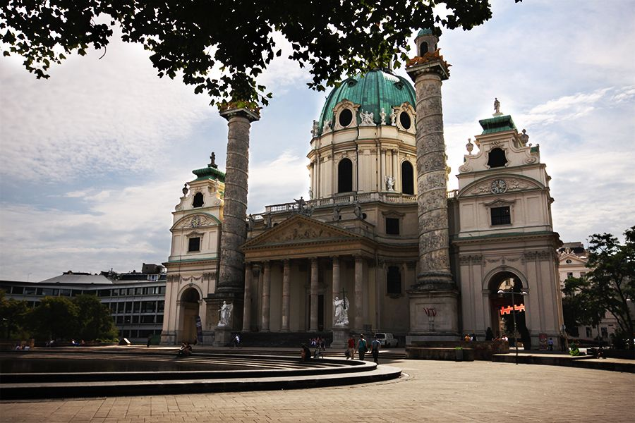 Karlskirche (c) stadtbekannt.at