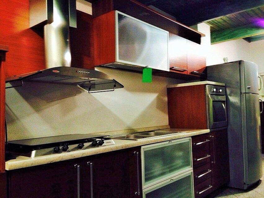 Cucina Mobiltiri color ciliegio elettrodomestici Ariston €4600 ...
