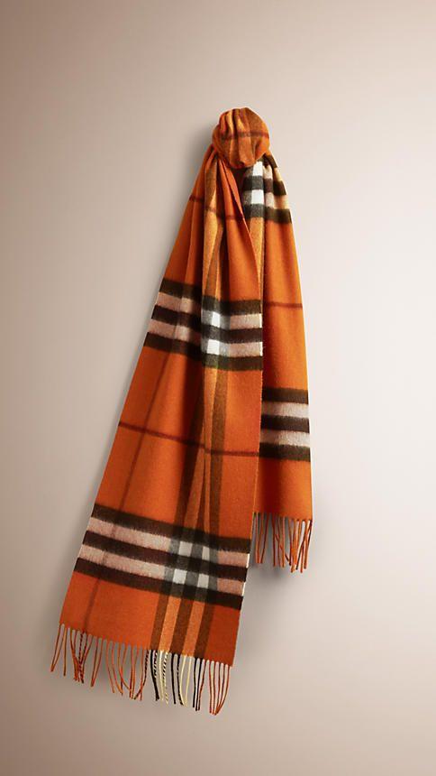 5ef225dc306 Orange brûlé Écharpe classique en cachemire à motif check - 1