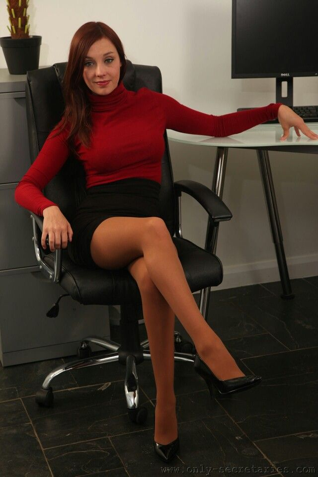 Glamour office pics legs — photo 3
