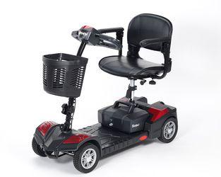 #scootmobiel Scout 20 Amp batterijen. Delta stuur. Afneembare stoel Inhoogte verstelbaar. Armleggers. Mand. Scootmobiel is deelbaar
