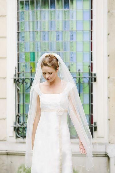 Schleier Schlicht Und Knielang Zum Brautkleid Brautkleid Kleid Hochzeit Brautkleid Schlicht