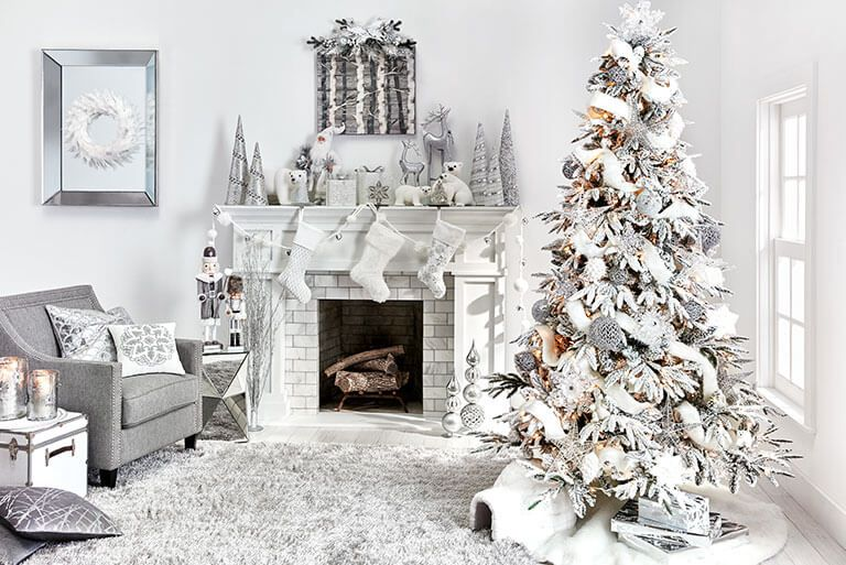 65 Christmas Living Room With Magical Decoration Matchness Com In 2021 White Christmas Decor Silver Christmas Decorations Christmas Living Rooms Living room christmas decorations 2021