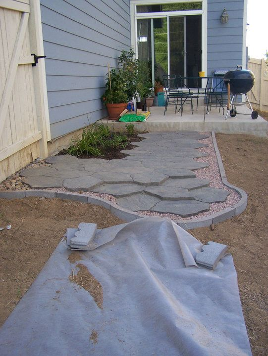 Pavers Are From Lowe S Edging Is Upside Down Scalloped Edging Backyard Backyard Design