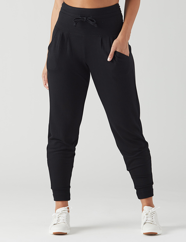 Meet The Pant That You Re Going To Want To Lounge In Sleep In Travel In And Do Just About Everything Else In This High W Clothes Fashion Women Jogger Pants