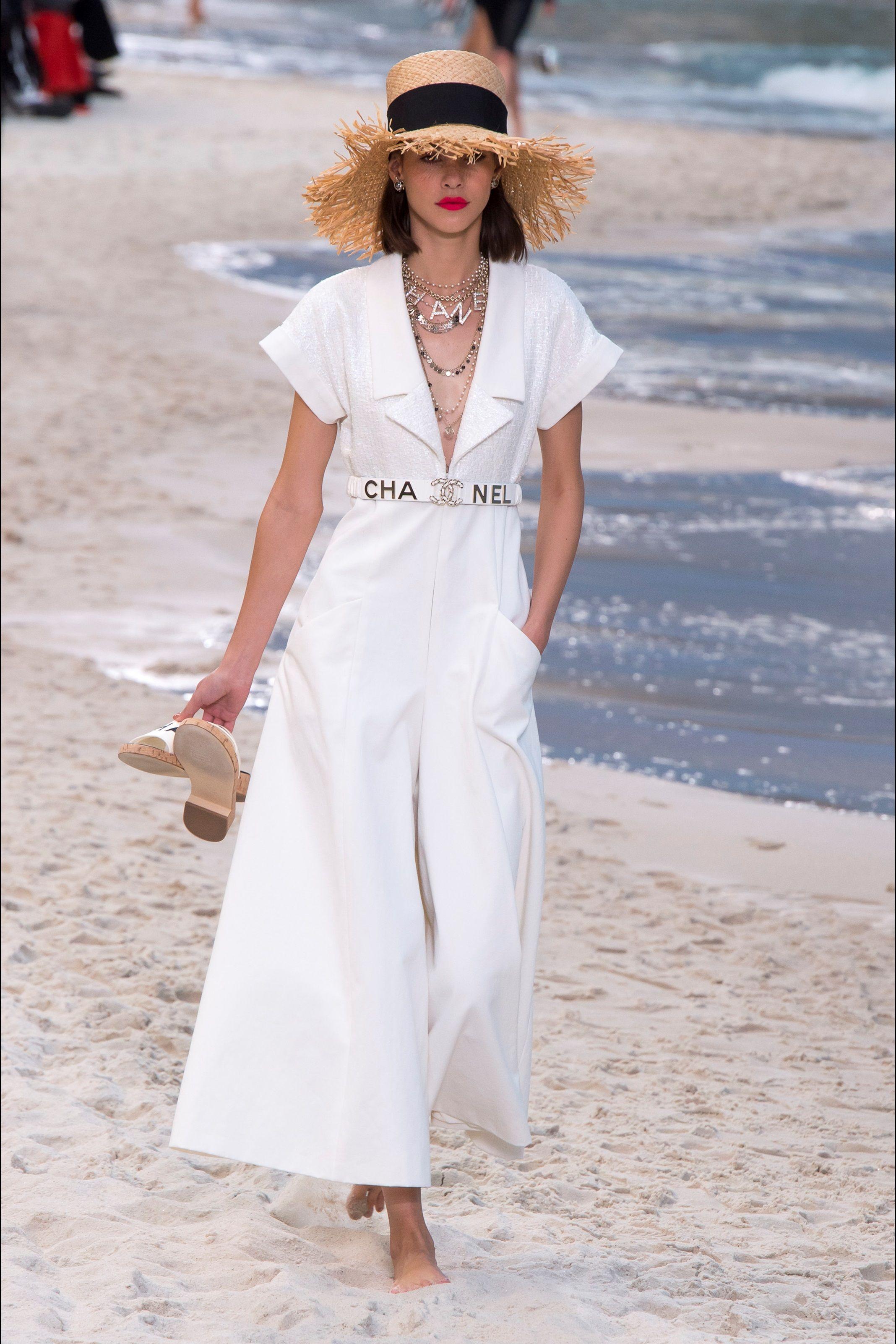 d0b6cfeb4f56 Sfilata Chanel Parigi - Collezioni Primavera Estate 2019 - Vogue ...
