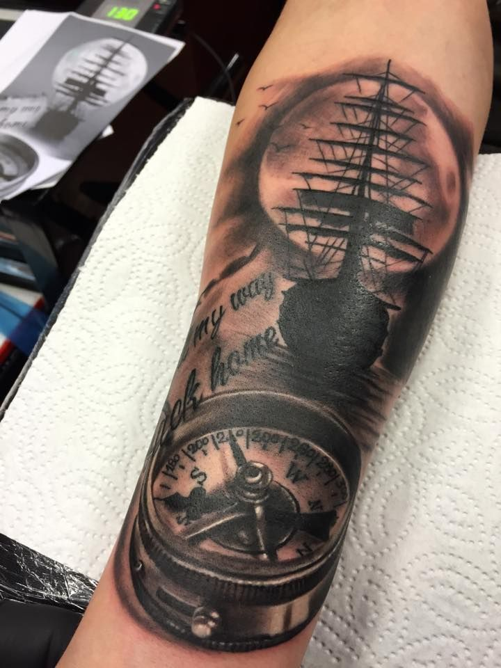blackandgrey pirate ship compass tattoo painful art manu painfulartmanu my work. Black Bedroom Furniture Sets. Home Design Ideas