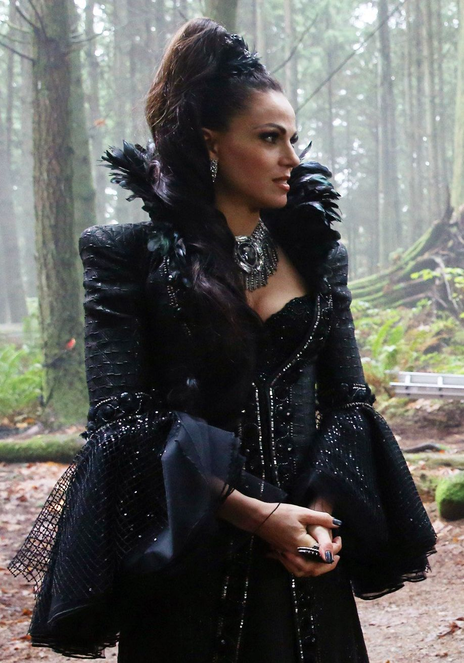 LOVED the Evil Queen in this episode❤️