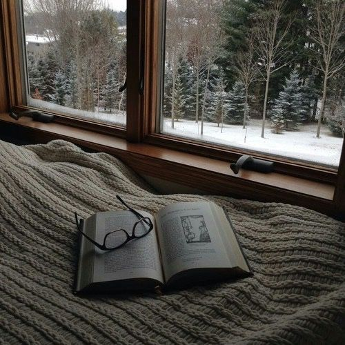 Love Snow Photography Winter Cold Beautiful Vintage Bedroom Inspiration Trees Dream Grunge Bed Books Glasses Forest Fantasy D Good Books Book Worms Winter Cozy
