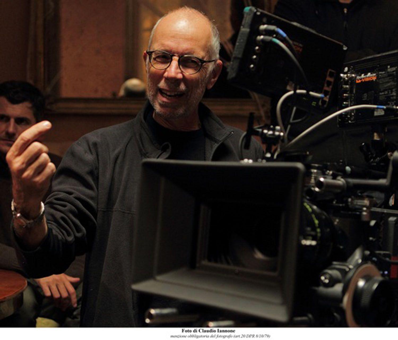 "Gabriele Salvatores su set del #film Documentario "" Italy in a day"". #documentario #gabrielesalvatore #italyinday"