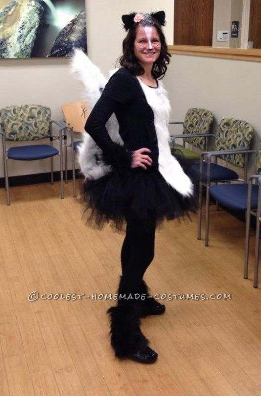cool homemade skunk costume in 2019 karneval kost me. Black Bedroom Furniture Sets. Home Design Ideas