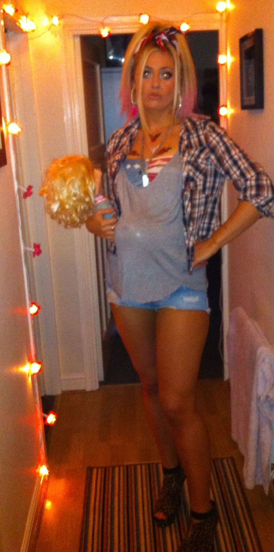 Maternity halloween costume, which is so funny! Beer belly redneck ...