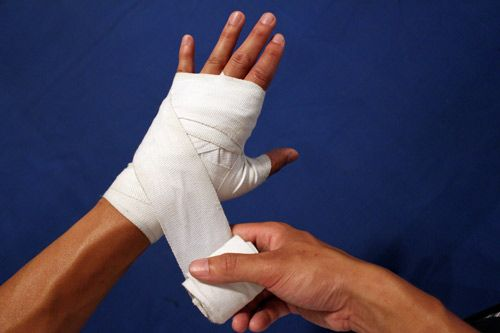 How To Wrap Your Hands Boxing Hand Wraps Hand Injuries Hands