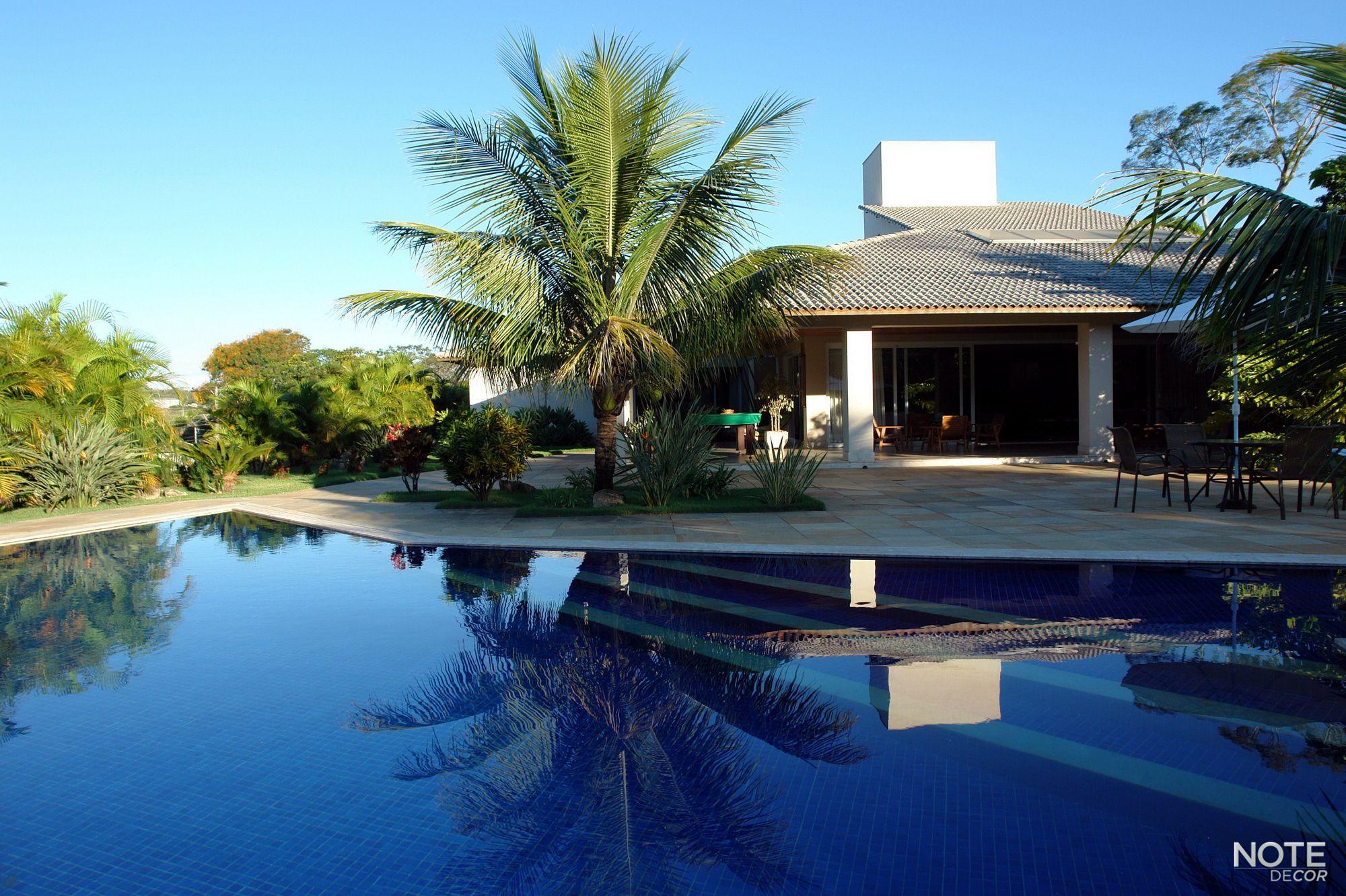 Áreas externas são um convite para desfrutar momentos de relaxamento e tranquilidade.