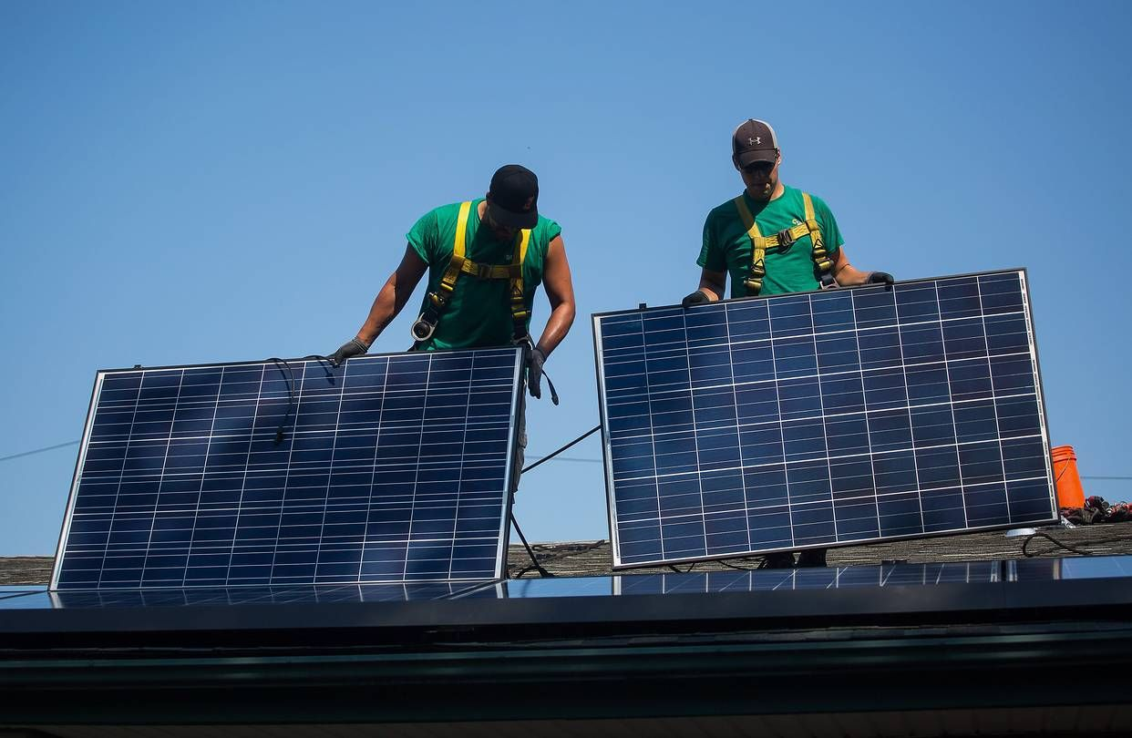 Tesla Solarcity Merger Gets Shareholder Approval Solar Solar Panels Solar Power
