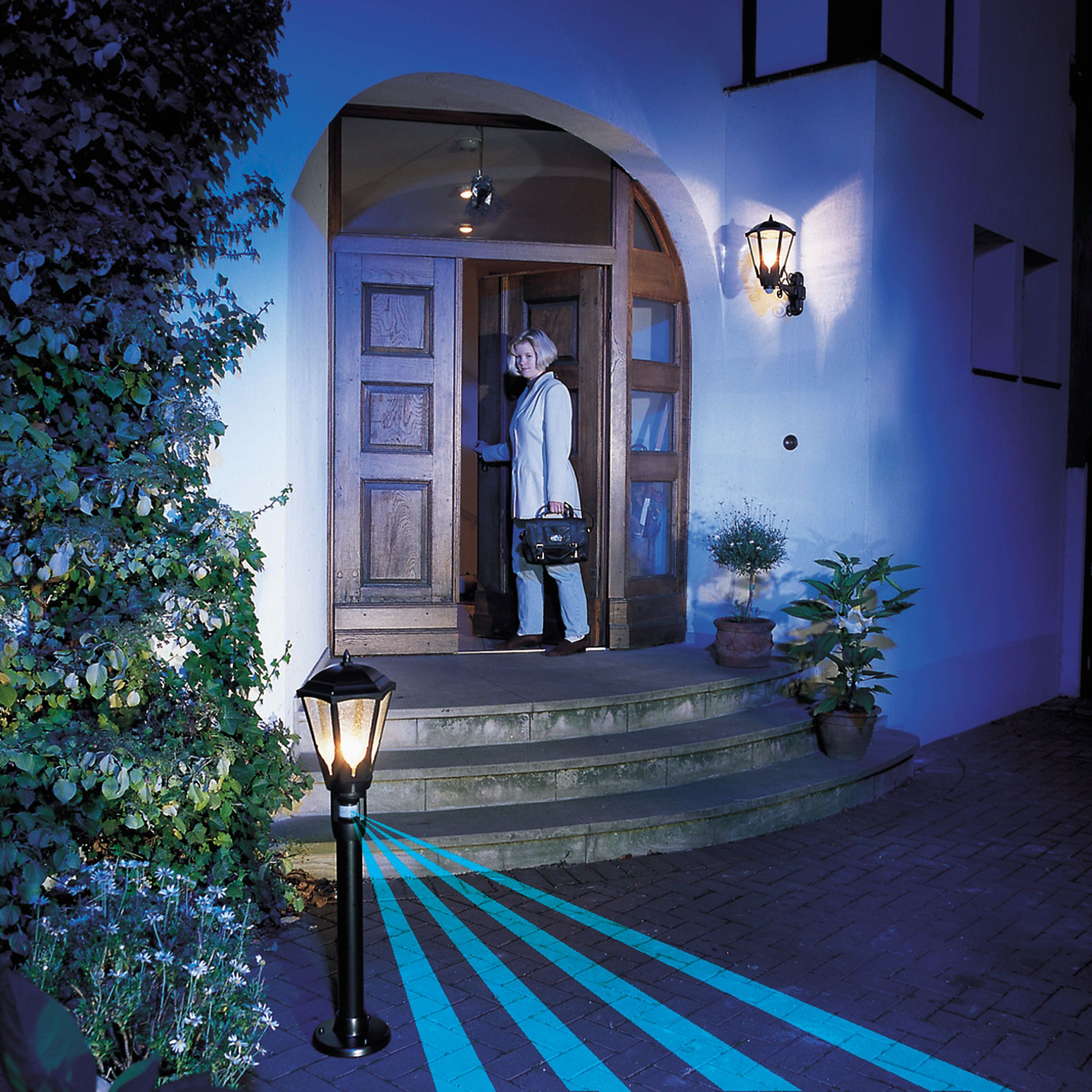 Beautiful Sensor Lamps For Gardens U0026 Pathways
