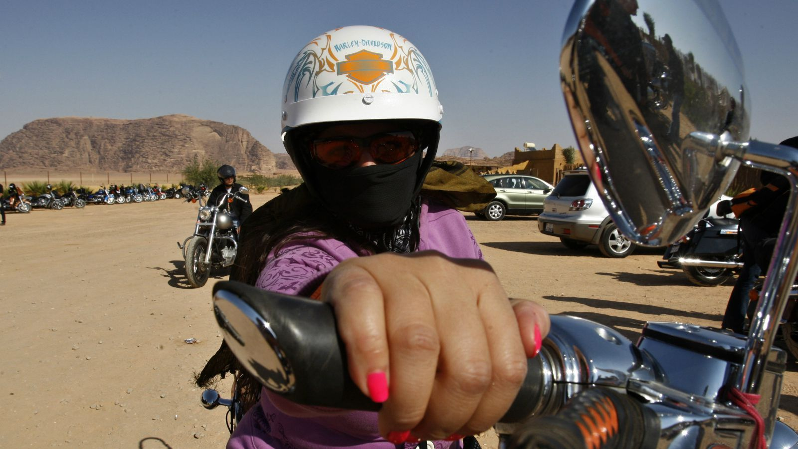 Car driving gloves india - 10 Reasons Why More Indian Women Should Ride A Motorcycle