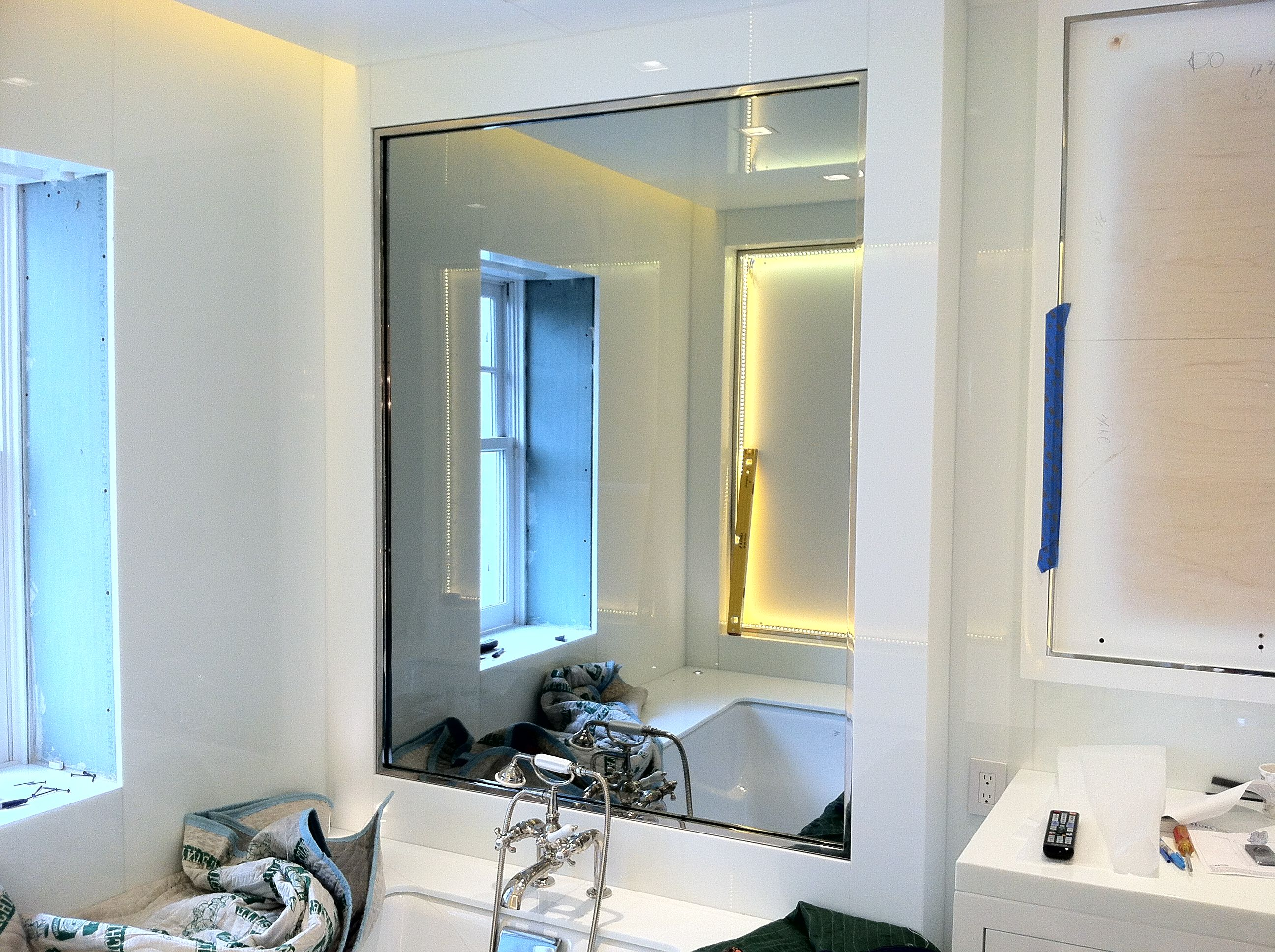 idea bagno - Specchio con Tv nascosta all\'interno | Ideas for ...
