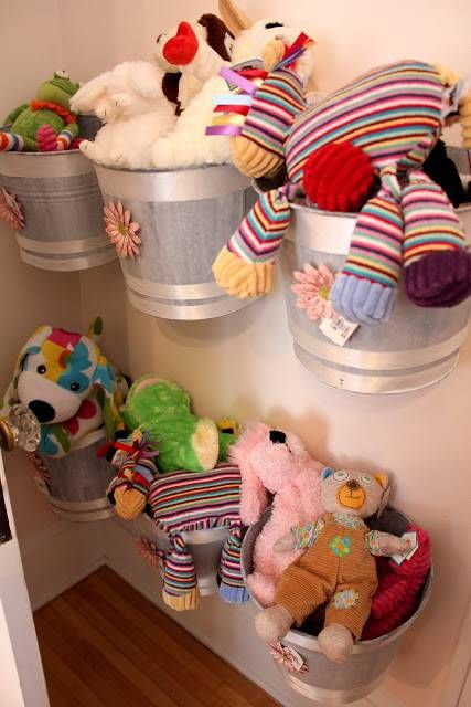 Bon 20+ Creative DIY Ways To Organize And Store Stuffed Animal Toys   U003e Wall  Mounted Buckets As Storage For Stuffed Animals