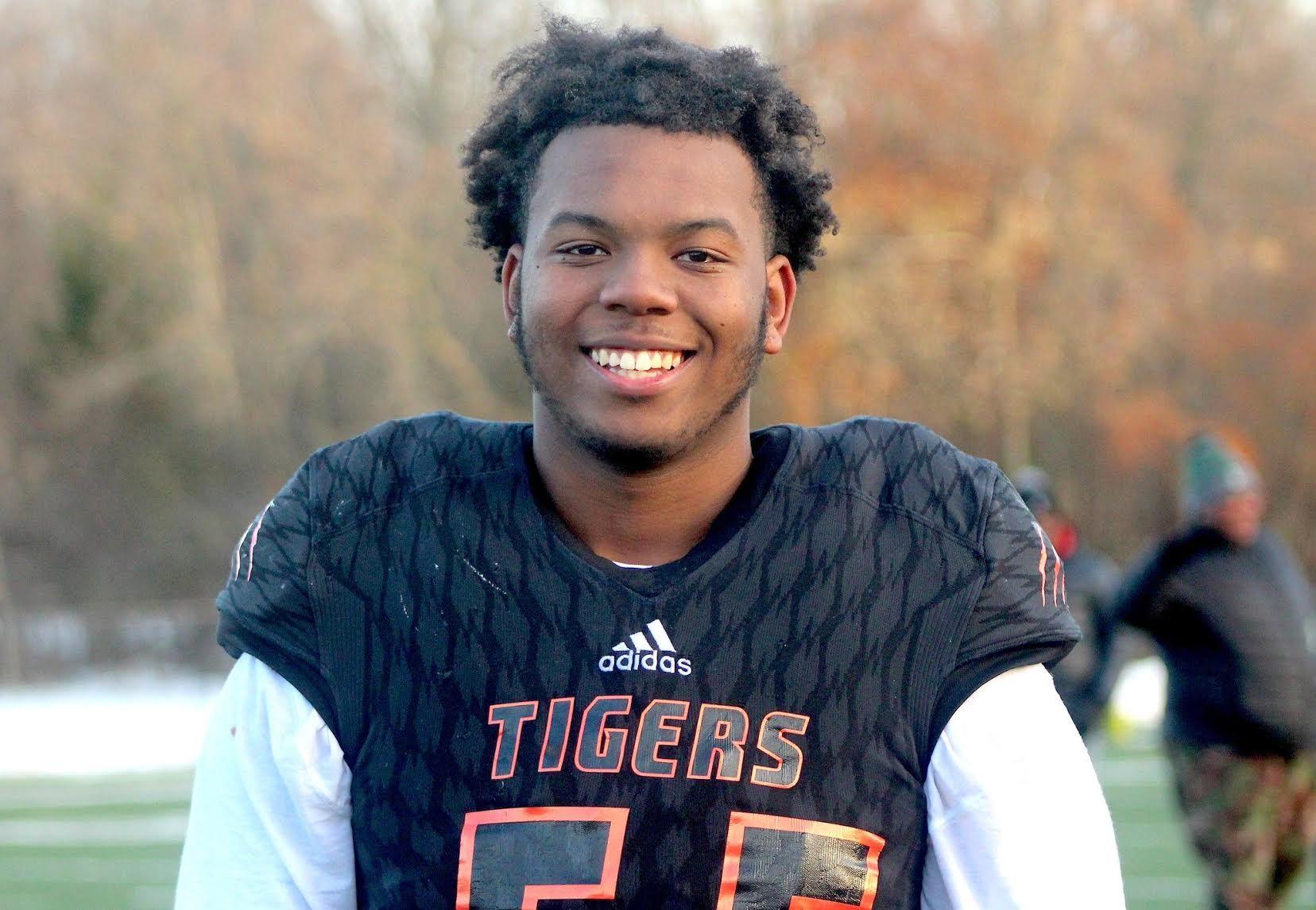 Belleville 2021 Five Star Dt Damon Payne Commits To Alabama Football It Felt Like Home In 2020 Michigan Sports Alabama Football Michigan Football