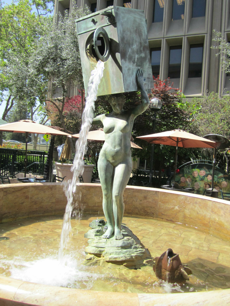 Water fountains with statues - My Favorite Fountain