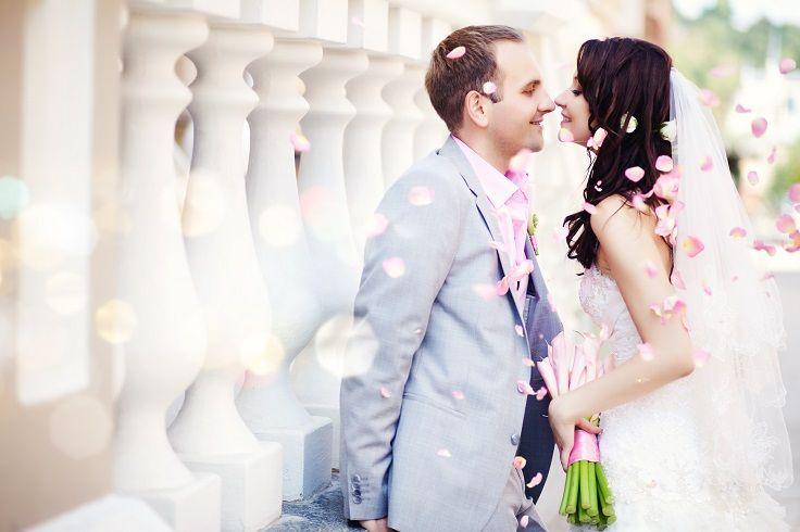 Sweet Couple Before Kissing Thinkingofbermuda Services Bermuda
