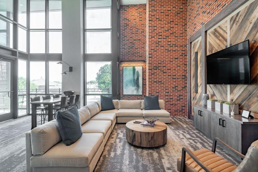 Meeting Street Lofts Apartment Rentals Charleston Sc Zillow Loft Apartment Rental Apartments Outdoor Sectional Sofa