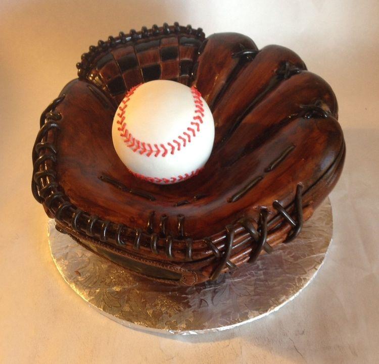 Custom cakes wedding cakes and custom baked cakes