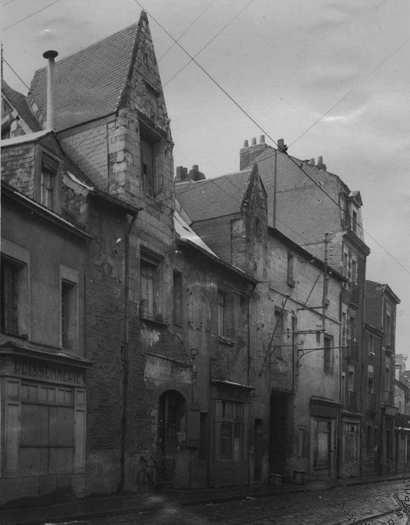 La Cour Et Logis Cathuis Avec Images Nantes Loire Loire