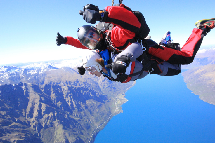 Skydiving Queenstown New Zealand The Remarkables Lake Wakatipu Amazing Nzone Lake Wakatipu New Zealand Travel New Zealand
