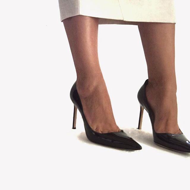 Never underestimate the power of a good suit & killer heels 💥 #workforit…