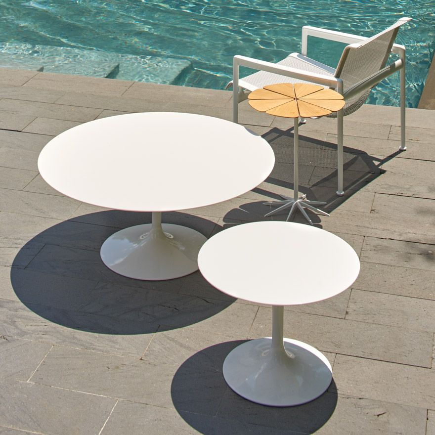 Saarinen Outdoor Coffee Table - 35 | Round outdoor dining ...