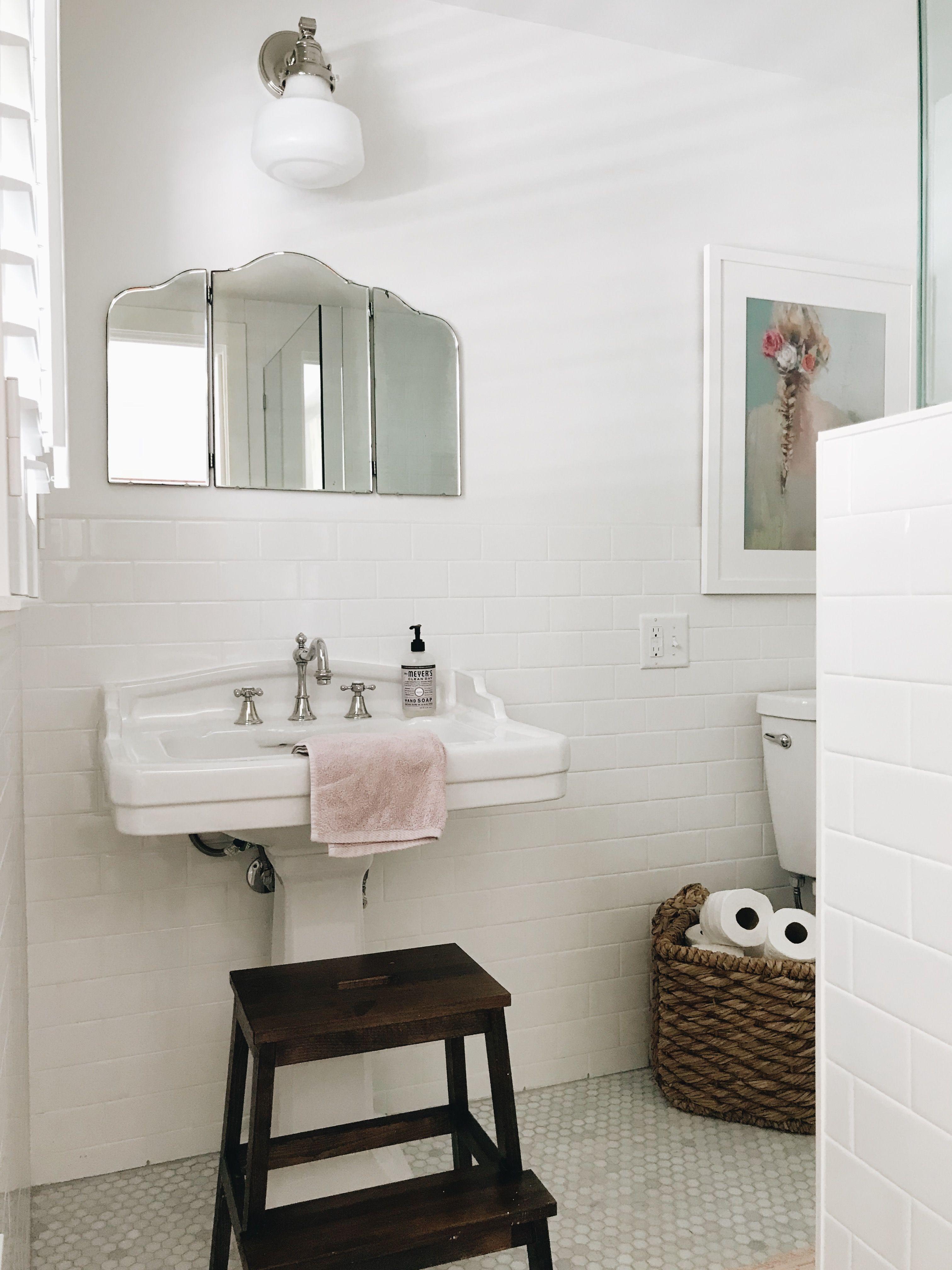 Beautiful Guest Bathroom Basket Ideas | Home Inspiration & Interior ...