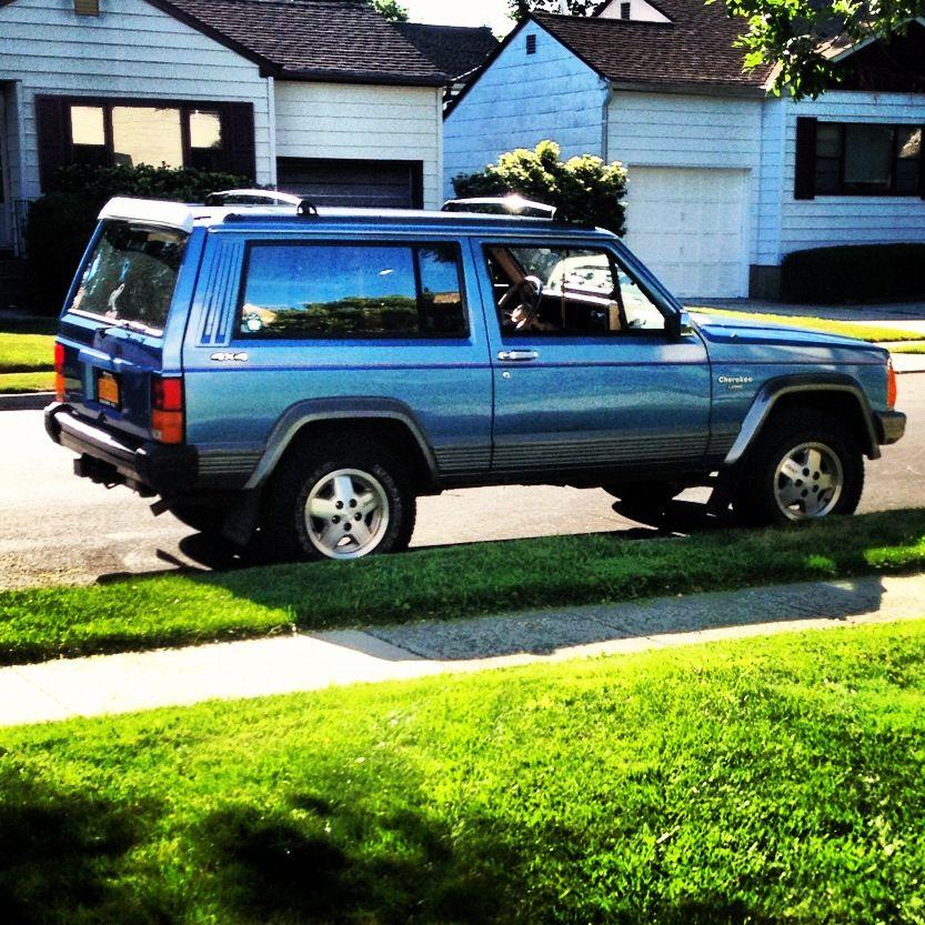 1992 Jeep Cherokee Laredo 2 Door Perfection In Jeep Form Jeep Cherokee Laredo Classic Jeeps Jeep Xj