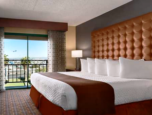 Embassy Suites Los Angeles International Airport South Hotel Los Angeles Ca United States Suites Embassy Suites Hotel
