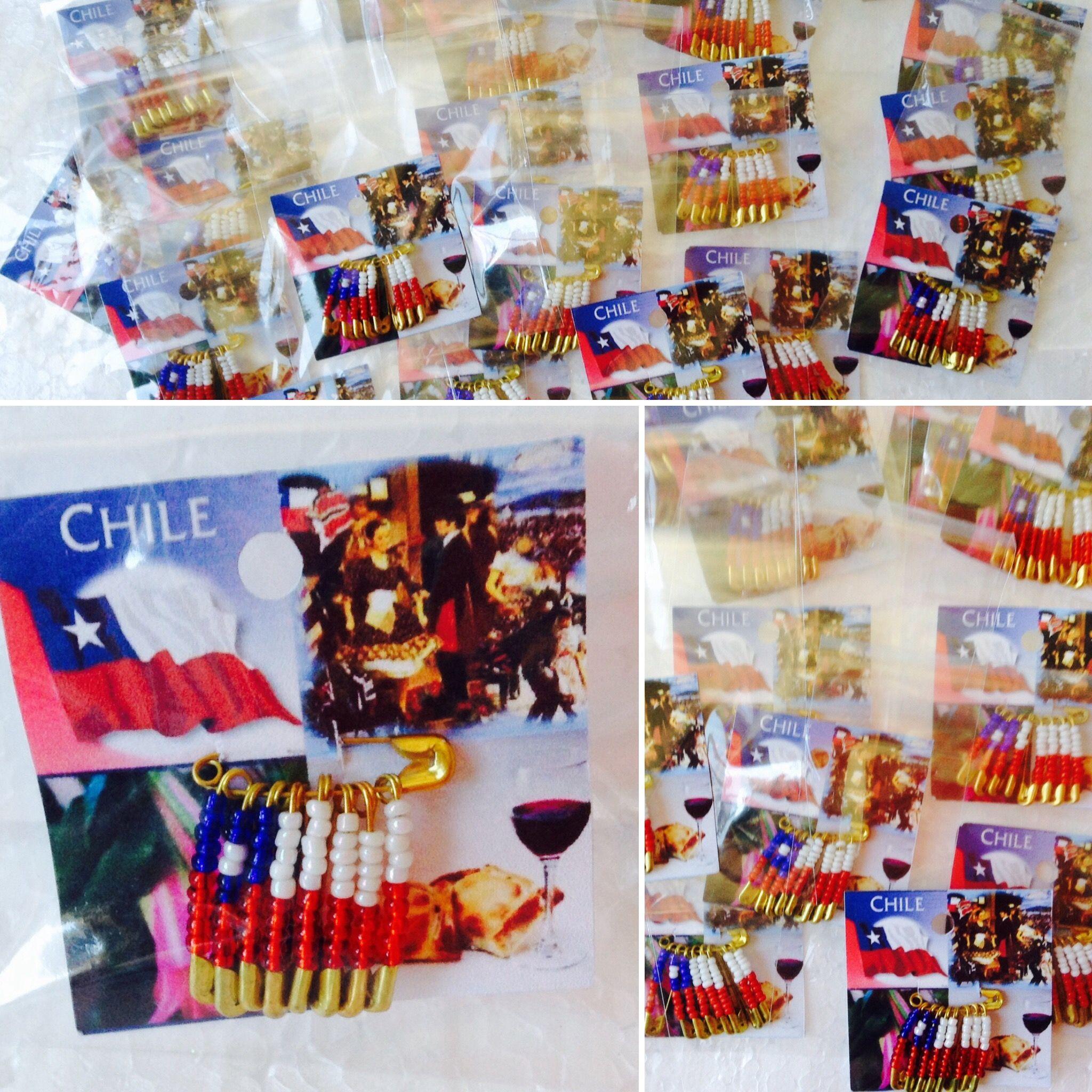Prendedor de bandera Chilena en mostacilla, realizado por Giovanna Marconi