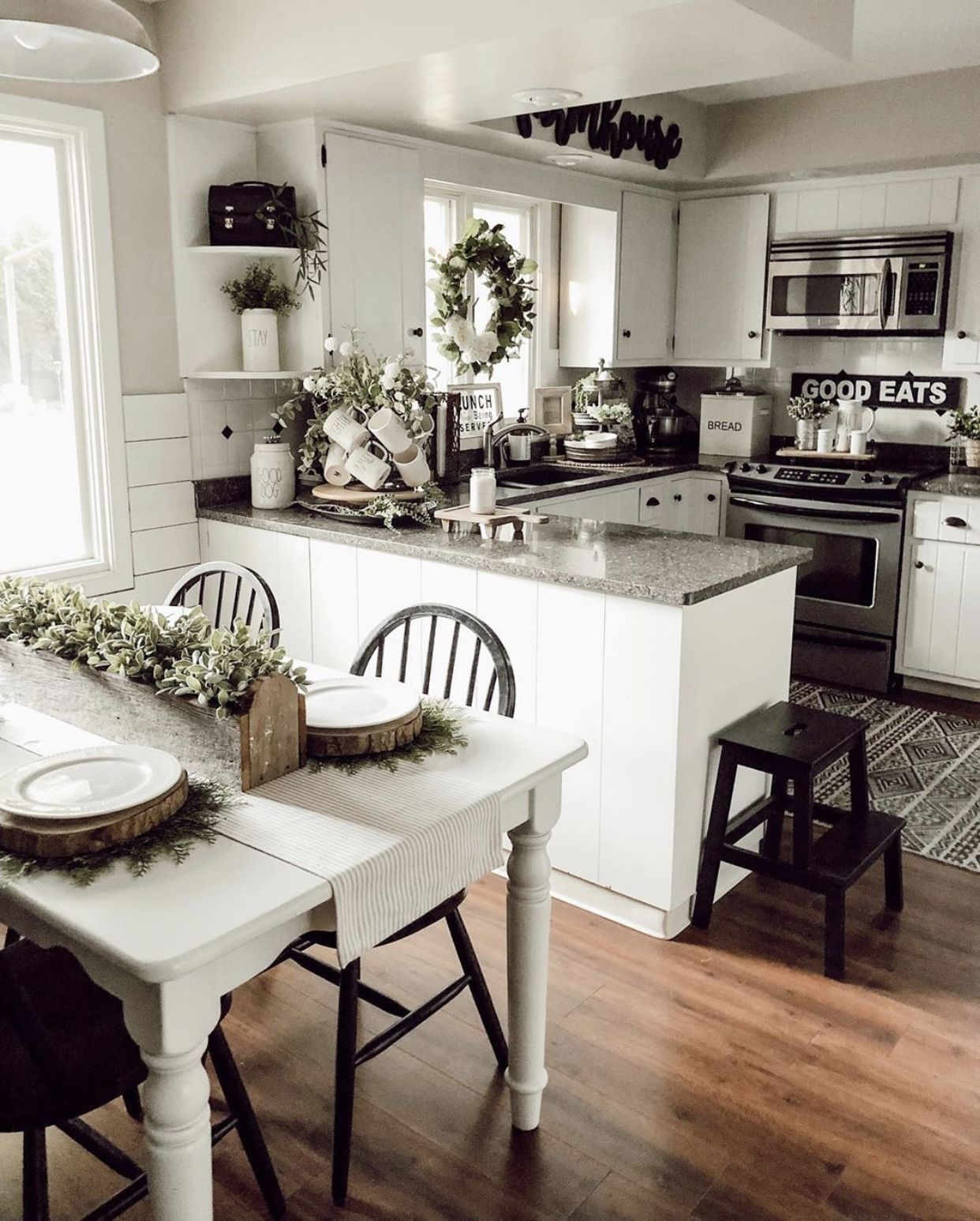 Pin by Candi Conlan on HOUSE   Mobile home kitchen cabinets ...