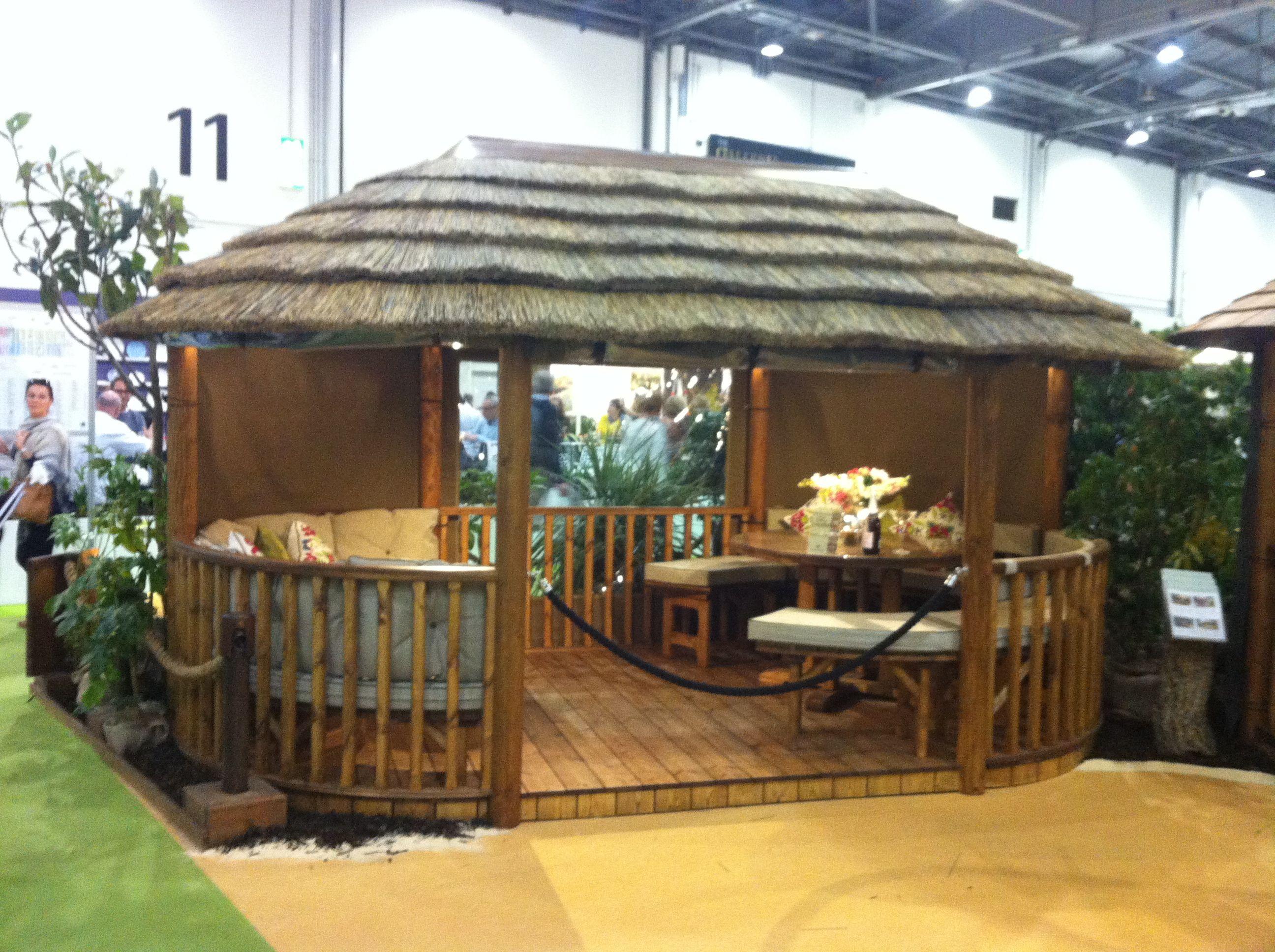 Small Tiki Hut | Decoration Jacques Garcia