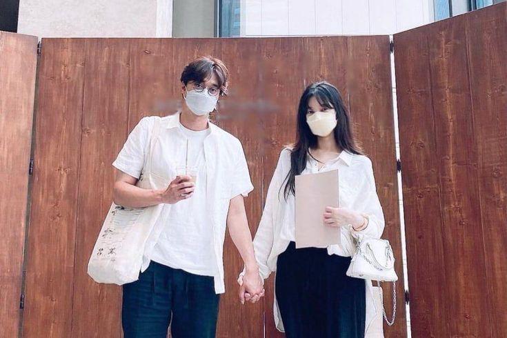 Peppertones' Lee Jang Won & Fiancée Bae Da Hae Share 1st Couple Photo Following Engagement News