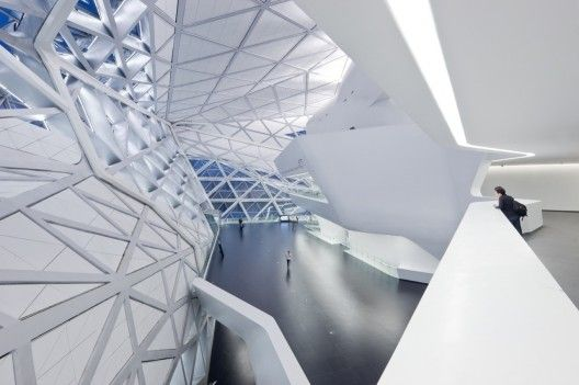 Guangzhou Opera House - Zaha Hadid Architects 특이한 디자인이 눈에 들어왔다.