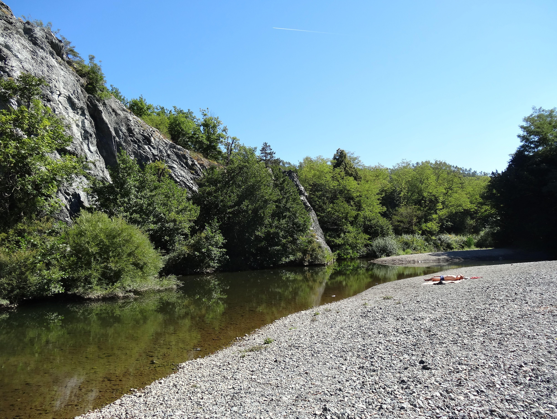 Lago dei Gulli, een verbreding in de rivier waarin je kunt zwemmen (bij Sassello)